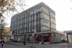 Отдава се под наем/продава се Недвижим имот , Административна сграда в Свиленград