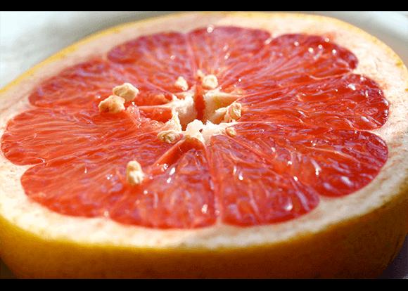 Сокът от грейпфрут съдържа голямо количество антиоксиданти,